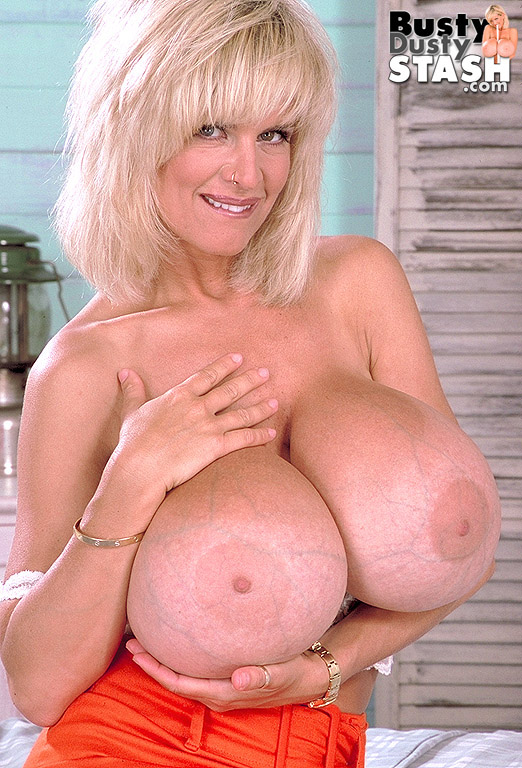 Busty dusty big tits video — photo 5